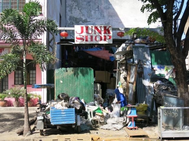 2_Junk Shop